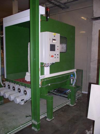 automatizovaná linka na rozdrobení a dopravu vláknité suroviny