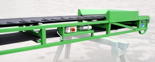 přenosný pásový dopravník na přepravu písku, stavební sutě apod.